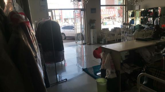 霸州市胜芳镇多年品牌干洗店转让